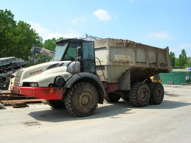 landfill-gallery-adt30c-spazzatura1